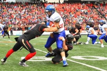 Rouge et Or contre les Carabins - Archives Impact Campus, Simon Dufresne -1