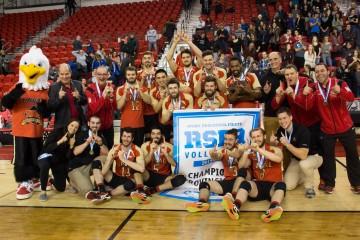 Victoire du Rouge et Or volleyball  contre les Carabins en finale du RSEQ - mars 2016